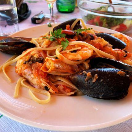 seafood-pasta92A64B1A-94D9-82C1-F9F3-47D76444CD24.jpg